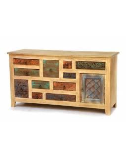 Komoda antik teakového dřeva, ručně vyřezávané šuplíky, 143x45x75cm