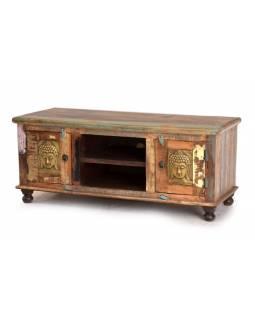 Komoda pod TV z antik teakového dřeva zdobená mosaznými Buddhy, 120x45x50cm