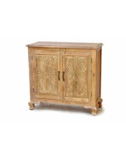 Komoda z antik teakového dřeva, dvířka zdobená ručními řezbami, 97x40x92cm