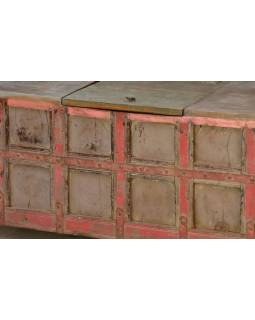 Masivní dřevěné sedátko s úložným prostorem, železné kování, 124x69x78cm