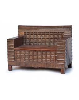 Masivní dřevěné sedátko s úložným prostorem, železné kování, 117x67x86cm