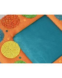 Ručně vyšívaný rámeček na fotografii, oranžovo-tyrkys. s korálky a flitry, 18x18