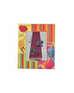 Věšáček na náušnice v ručně vyšívaném rámečku, multibarevný s výšivkou, 24x29cm