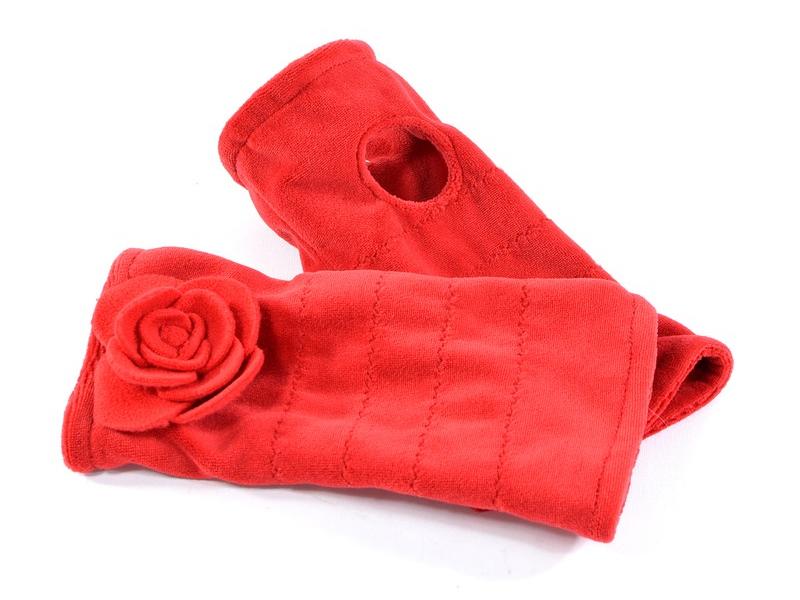Červené sametové rukavice - návleky s květinou