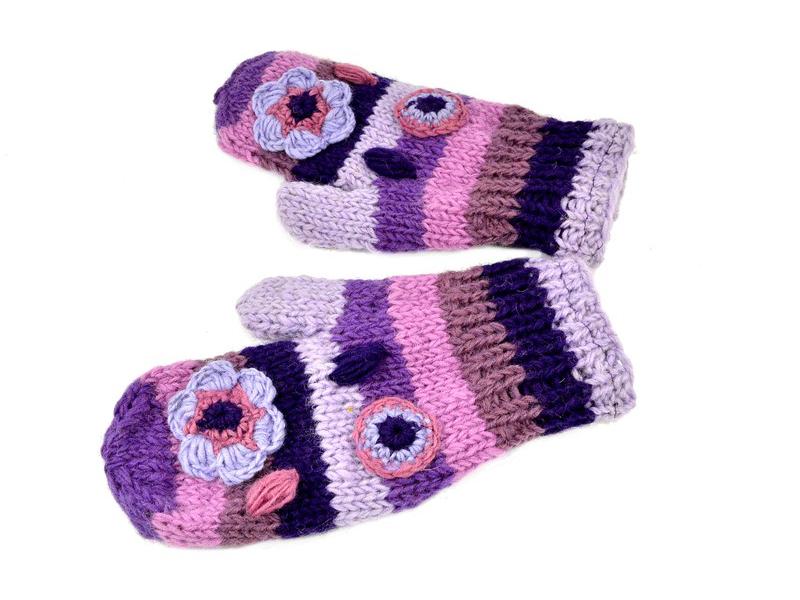 Rukavice-palčáky, vlna, proužky, háčkované květy, fialové
