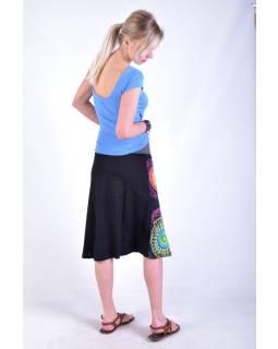 """Černá sukně ke kolenům  """"Noely"""" s barevnými mandalami"""