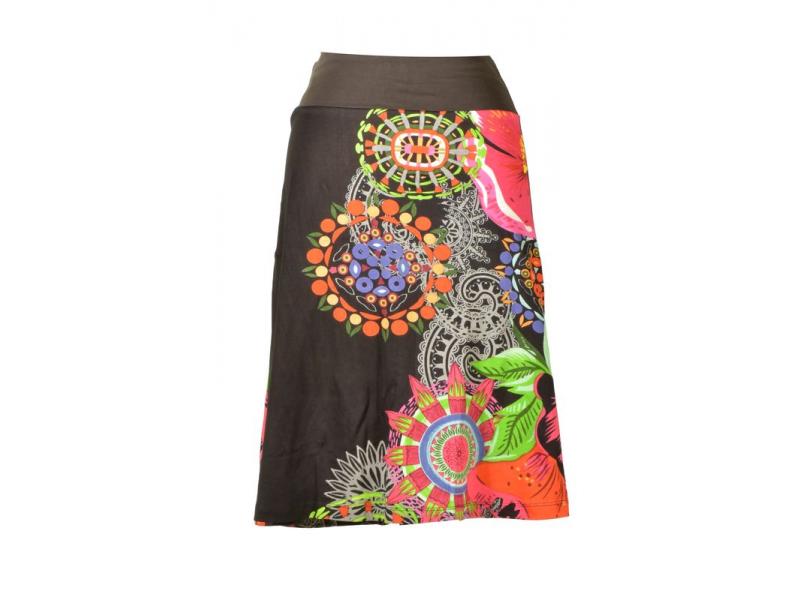 bb6652bb899 Černá sukně ke kolenům