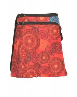 Krátká červená sukně zapínaná na patentky, barevný mandala potisk, kapsa