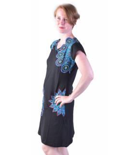 Krátké černo-modré šaty s krátkým rukávem, mandala design, atypický výstřih