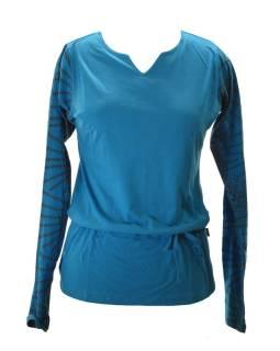 Modré tričko s atypickým výstřihem a potištěným dlouhým rukávem, stah.šňůrka