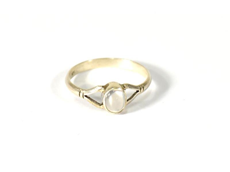 Stříbrný prsten s měsíčním kamenem, AG 925/1000, Nepál