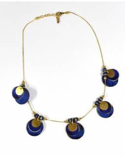 Náhrdelník s modrými a zlatými kolečky, zlatý kov