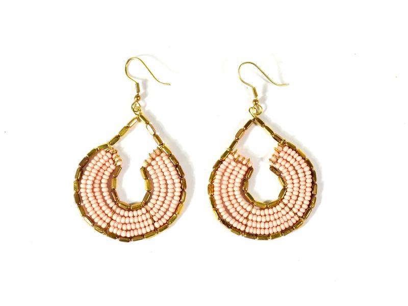Kruhové visací náušnice s růžovými korálky, zlatý kov