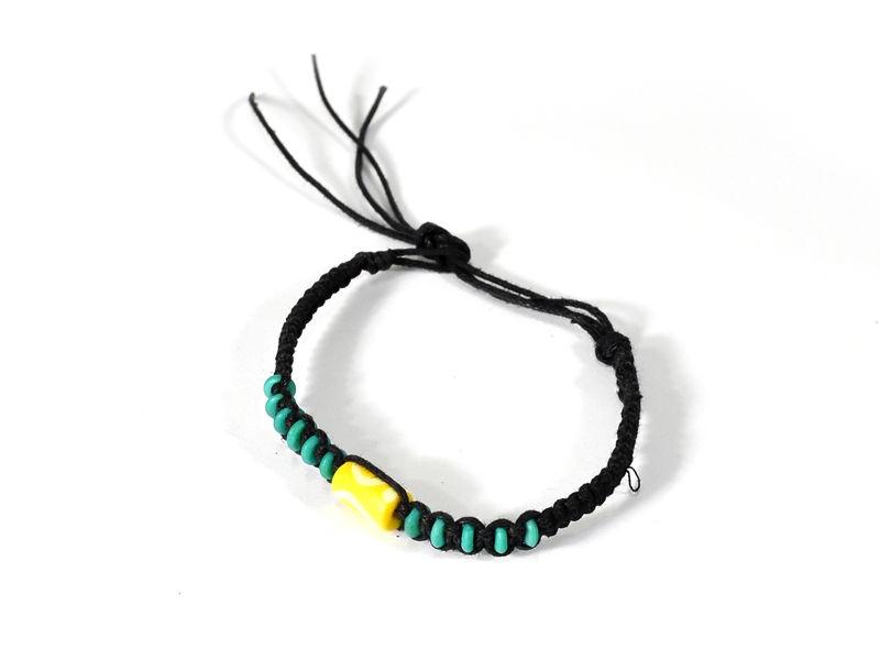 Černý pletený náramek s tyrkysovo-žlutými korálky, nastavitelná velikost