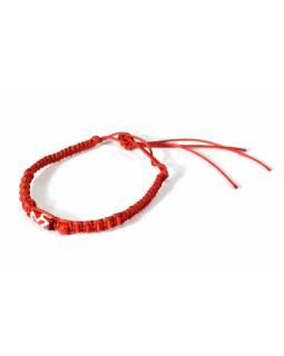 Červený pletený náramek s červenými korálky, nastavitelná velikost