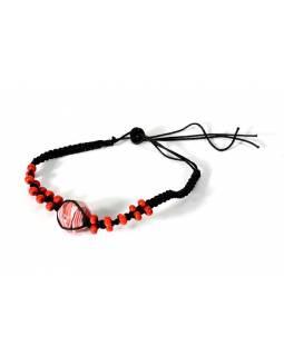 Pletený náramek s červenými korálky, nastavitelná velikost