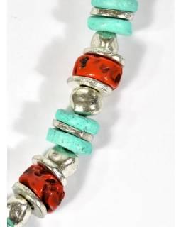 Velký náhrdelník s korálky s patinou tyrkysu a korálu, stříbrný kov