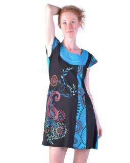 Krátké černo-tyrkysové šaty s krátkým rukávem, potisk květin a výšivka