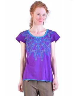 Fialovo-tyrkysové tričko s krátkým rukávem a mandalou, barevná výšivka