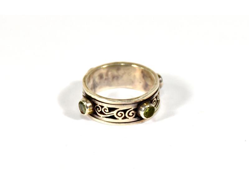 Stříbrný prsten vykládaný peridotem a ametystem, vel.59, AG925, Nepál