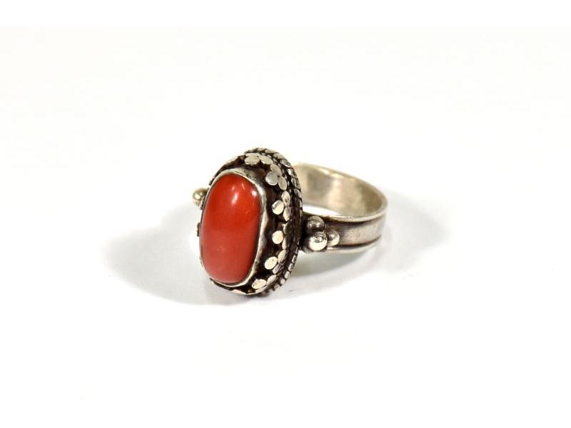 Stříbrný prsten vykládaný korálem, vel.57, AG925, Nepál
