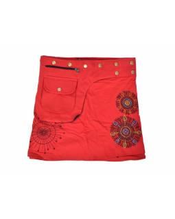 Červená mini sukně zapínaná na patentky, kapsa, mandala potisk a výšivka