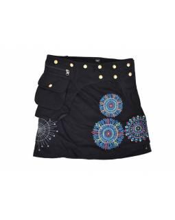 Černá mini sukně zapínaná na patentky, kapsa, mandala potisk a výšivka