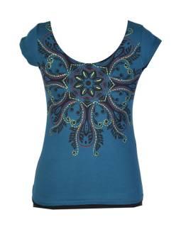 Tmavě modré tričko s krátkým rukávem a mandalou, barevná výšivka