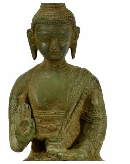 Mosazná soška, Buddha Amoghasiddhi, zelená patina, 15x23cm
