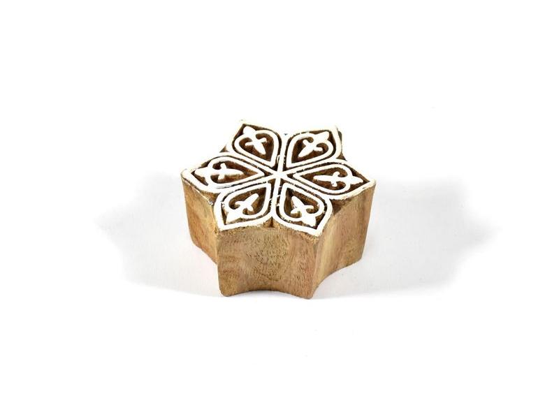 Dřevěné vyřezávané razítko ve tvaru hvězdy, 5x5cm