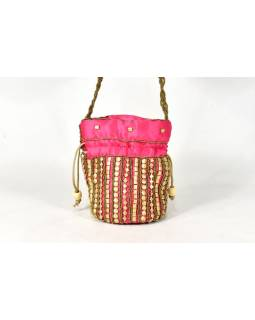 Malá růžová kabelka bohatě zdobená zlatými korálky, 19x19cm