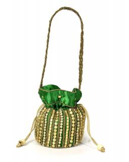 Malá zelená kabelka bohatě zdobená zlatými korálky, 19x19cm