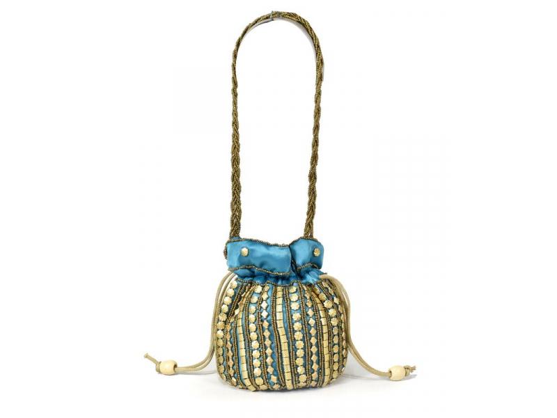 Malá modrá kabelka bohatě zdobená zlatými korálky, 19x19cm