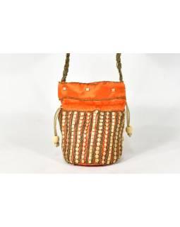 Malá oranžová kabelka bohatě zdobená zlatými korálky, 19x19cm
