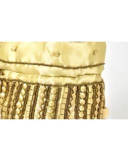 Malá krémová kabelka bohatě zdobená zlatými korálky, 19x19cm