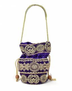 Malá fialová kabelka bohatě zdobená zlatou výšivkou a flitry, 19x19cm