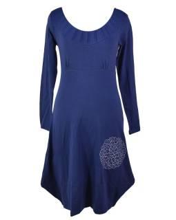 Dlouhé modré šaty s dlouhým rukávem, potisk