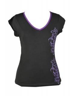 Černo-fialové tričko s krátkým rukávem a ornamentálním potiskem, V výstřih