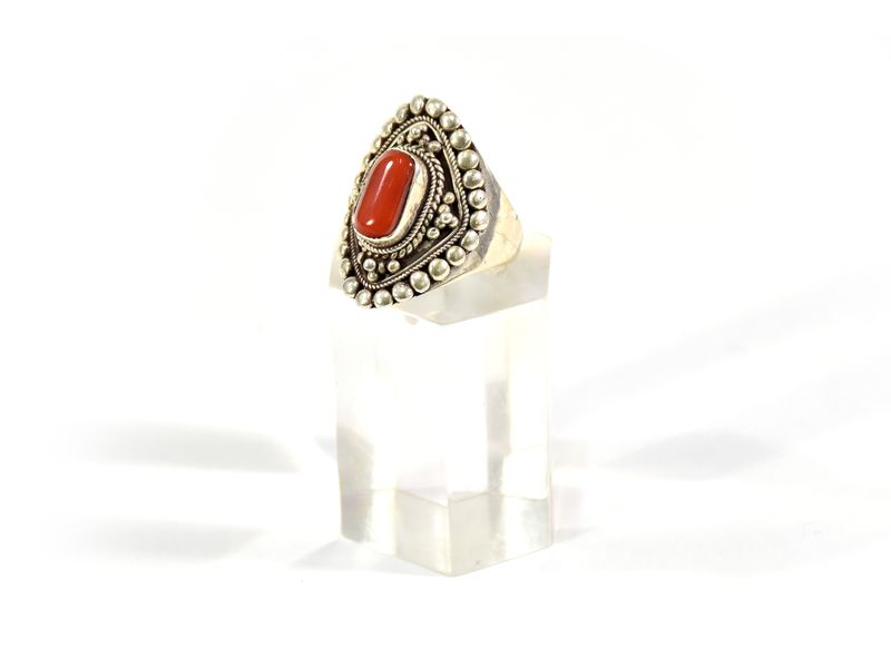 Velký stříbrný prsten vykládaný korálem, AG925, Nepál