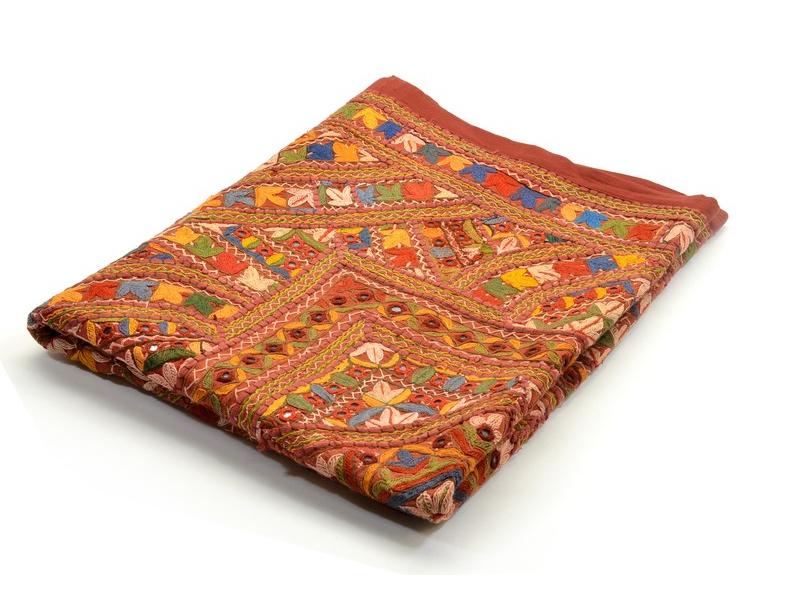 "Tapiserie ""Gullya"" z Gujaratu, antik patchwork, bohatá výšivka, 100x145cm"