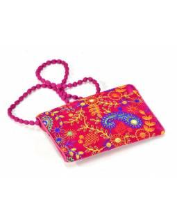 Bohatě vyšívané růžové psaníčko, samet, zapínání na magnet, 22x15cm