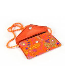 Bohatě vyšívané oranžové psaníčko, samet, zapínání na magnet, 22x15cm