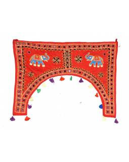 Ručně vyšívaný závěs nad dveře, červený se slony, sklíčky a třásněmi, 102x75cm