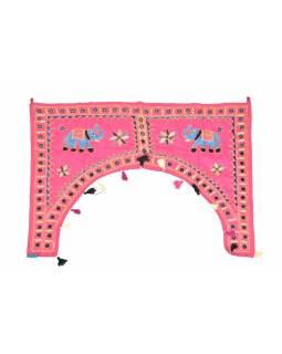 Ručně vyšívaný závěs nad dveře, růžový se slony, sklíčky a třásněmi, 102x75cm