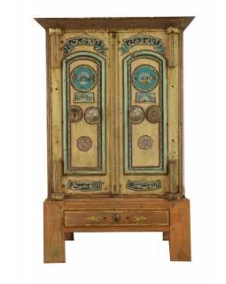 Antik trezor, dřevěný podstavec, 73x58x112cm