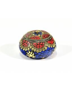 Orientální bohatě zdobená krabička, červeno-modrá, 7,5 cm