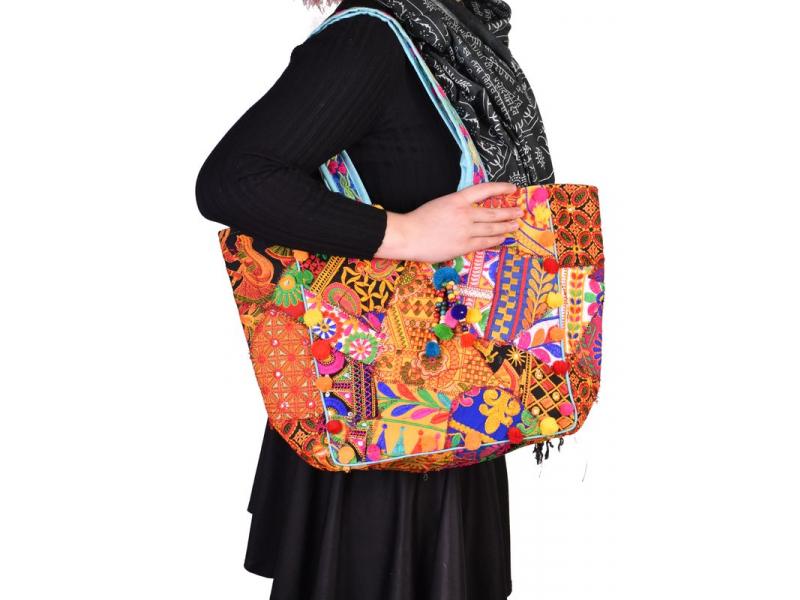 Unikátní taška z Gudžarátu, ručně vyšívaná, 50x34cm