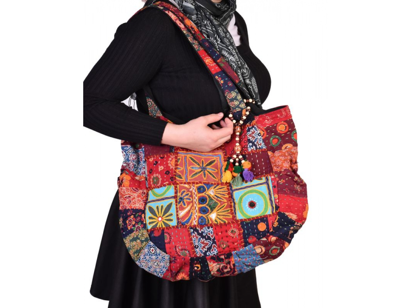 Patchworková unikátní taška z Gudžarátu, ručně vyšívaná, 48x38cm