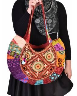 Unikátní taška z Gudžarátu, ručně vyšívaná a zdobená, 50x35cm
