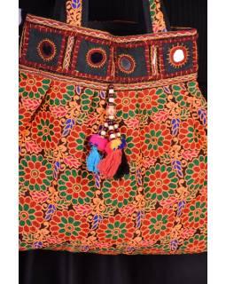 Unikátní taška z Gudžarátu, ručně vyšívaná a zdobená, 45x40cm